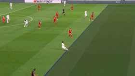 Fuera de juego de Odriozola previo a un gol de Benzema