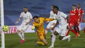 Vinicius falla una ocasión frente a Bounou