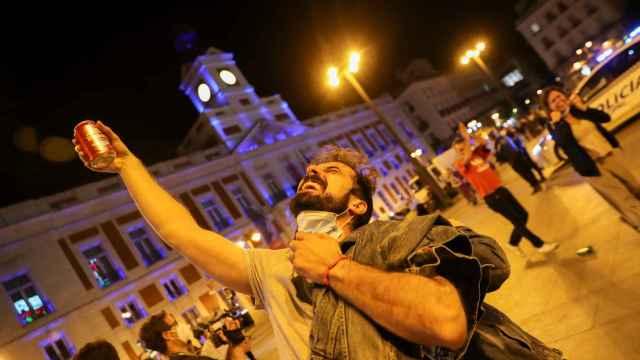 Reencuentros, aglomeraciones y alcohol para decir adiós al estado de alarma