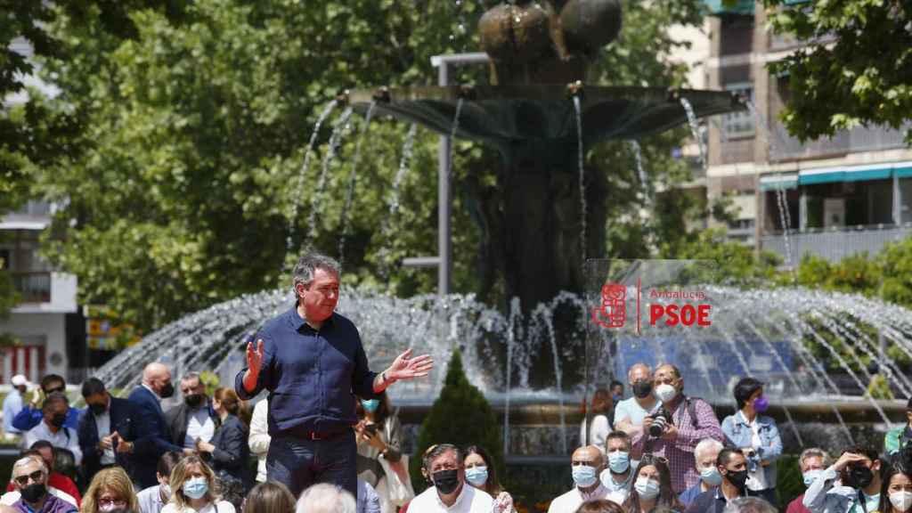El candidato a las primarias al PSOE y alcalde de Sevilla, Juan Espadas.