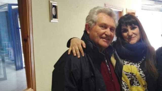 La cantante María de los Ángeles Rozalén, junto a su padre, hace unos años.