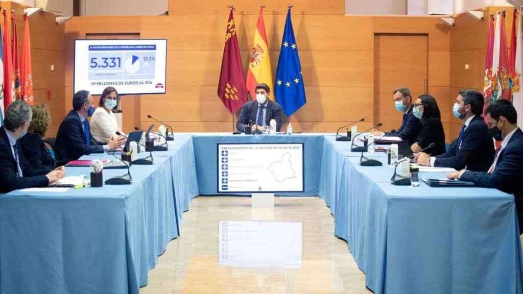 El presidente murciano en la última sesión del Consejo de Gobierno.
