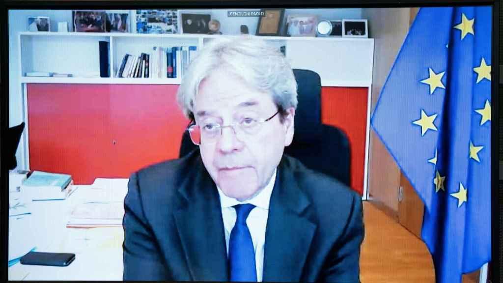 El comisario de Asuntos Económicos, Paolo Gentiloni, durante su comparecencia virtual este lunes en la Eurocámara