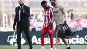 Thomas Lemar, abandonando el Camp Nou