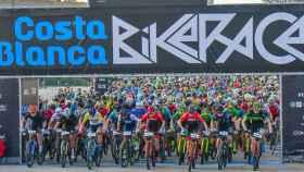 salida de la Costa Blanca Bike Race.