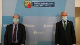 El ministro de Política Territorial y Función Pública, Miquel Iceta, y el vicelehendakari Josu Erkoreka.