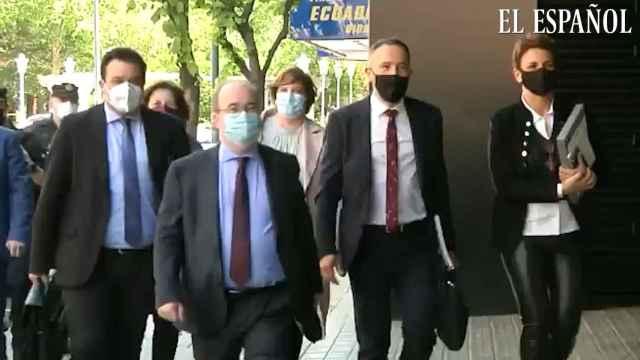 Gobierno central y vasco firman el acuerdo para el traspaso de Prisiones a partir del 1 de octubre
