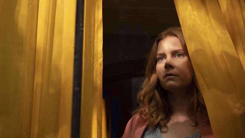 Amy Adams es 'La mujer en la ventana'.