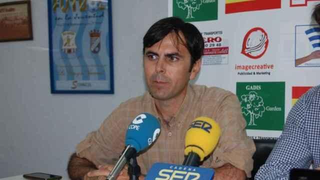 Pedro Garrido, presidente del Jerez Industrial, durante una rueda de prensa.