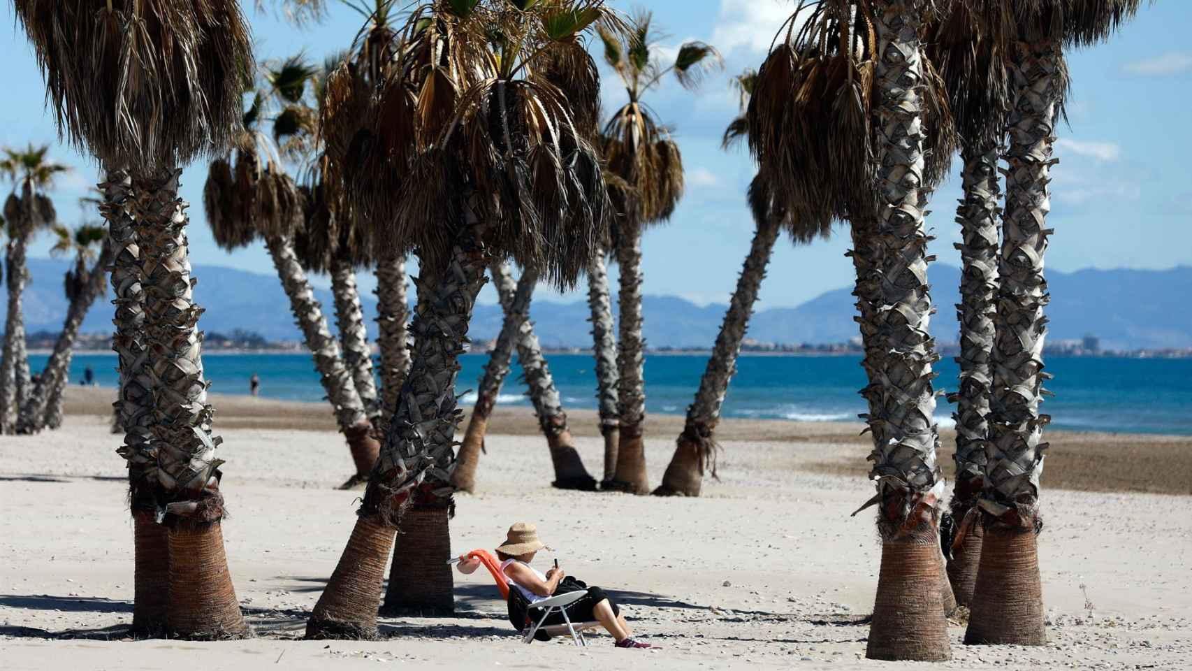 Las 25 nuevas playas españolas en las que ondearán la bandera azul este verano