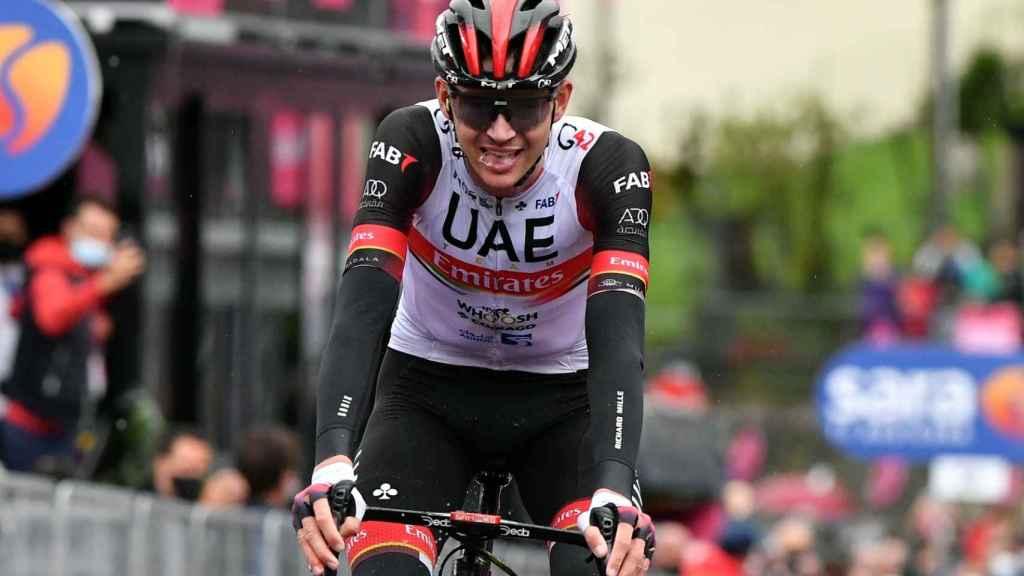 Joe Dombrowski celebra su triunfo en la cuarta etapa del Giro de Italia