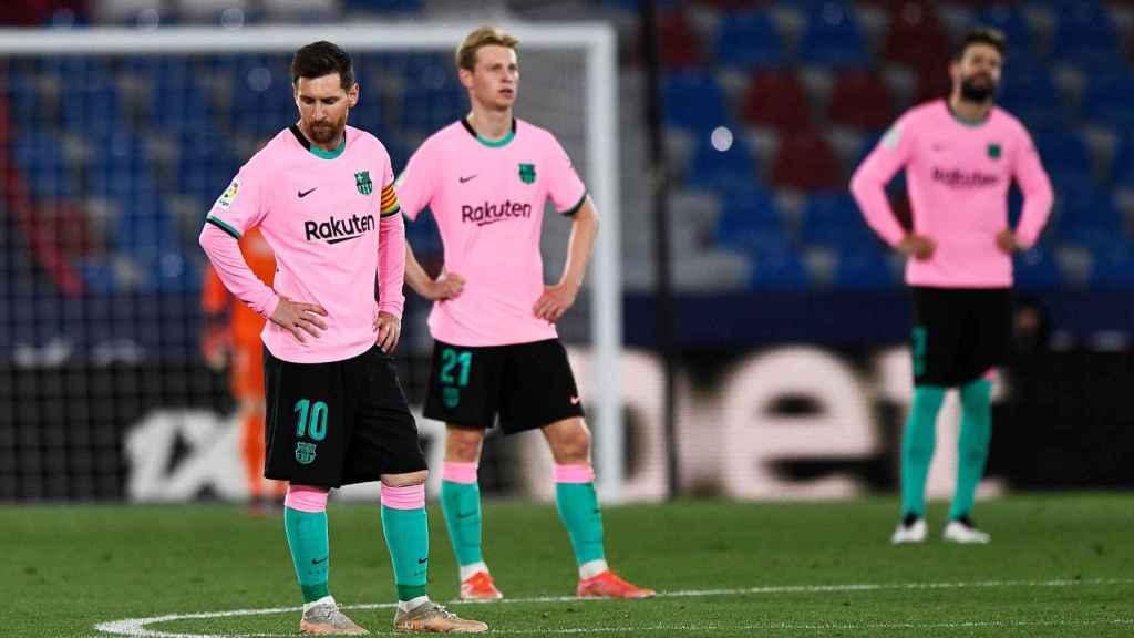 Reacción de Messi, De Jong y Piqué al tercer gol en contra