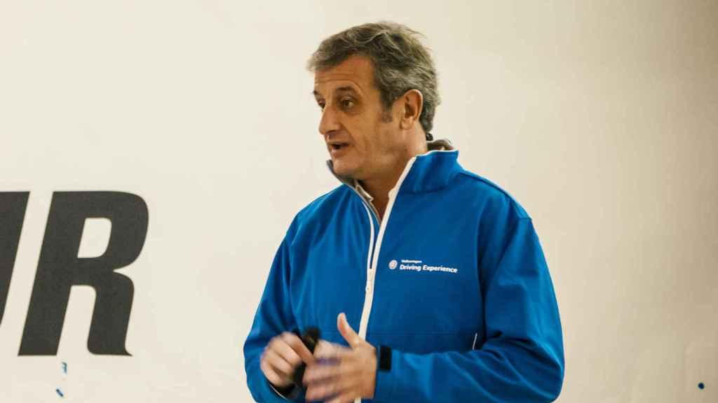 Luis Moya es una de las personas que más conocimientos imparten sobre seguridad vial.