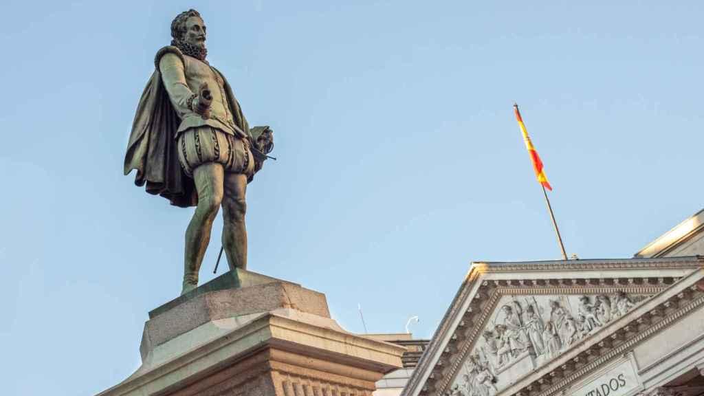 Estatua Cervantes