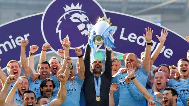 Pep Guardiola levanta la Premier League de 2019