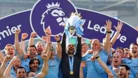 Pep Guardiola levanta la Premier League de 2019