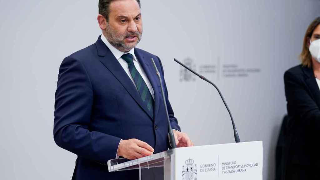 El ministro de Transportes, Moviliad y Agenda Urbana, José Luis Ábalos, durante una rueda de prensa, a 12 de mayo de 2021 en Madrid (España).