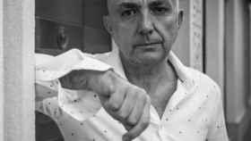 Manuel Vilas admite que antes de que estallara la pandemia no sabía que amaba tanto el mundo.