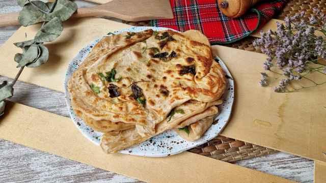 Pan plano de yogur, receta fácil de flatbread con perejil