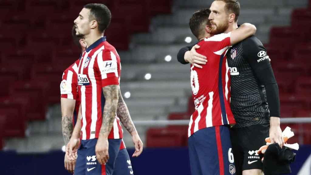 Los jugadores del Atlético de Madrid celebran la victoria