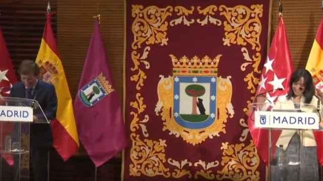 Almeida y la delegada del Gobierno en Madrid, Mercedes González.