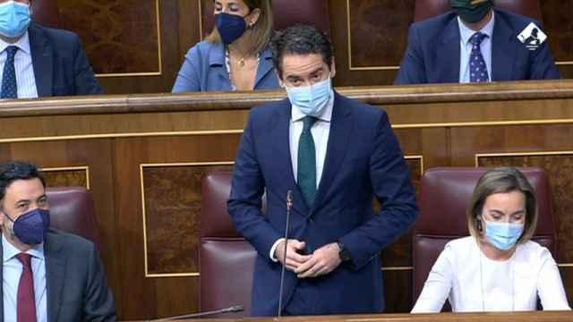 Tedoro García Egea recuerda que Sánchez votó los recortes de Zapatero.
