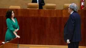 Isabel Díaz Ayuso y Ángel Gabilondo en la Asamblea de Madrid.