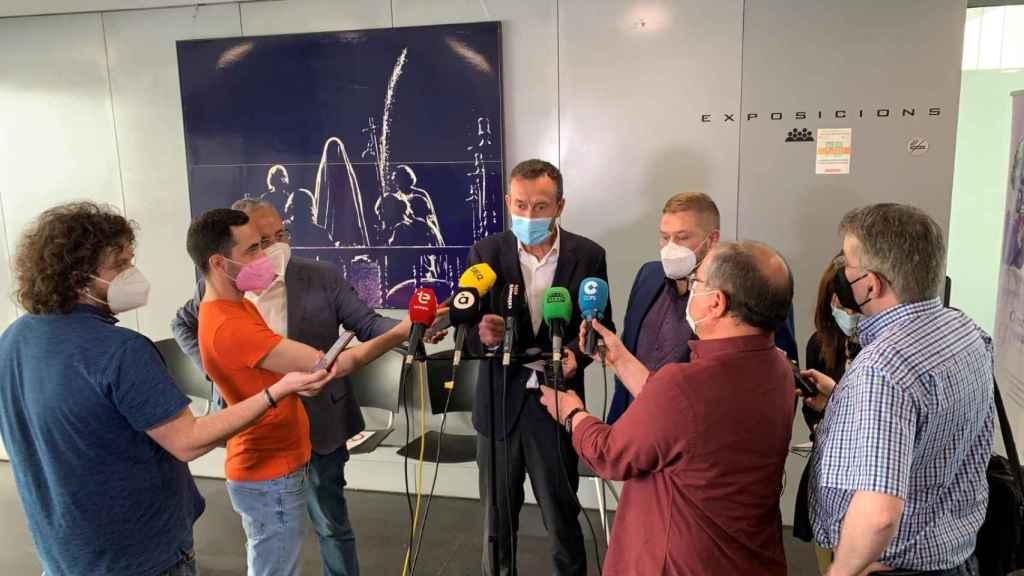 González comparece ante los medios este jueves.