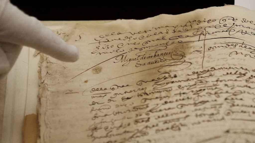 Una de las dos firmas autógrafas de Miguel de Cervantes.