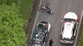 Peter Serry atropellado en el Giro de Italia 2021