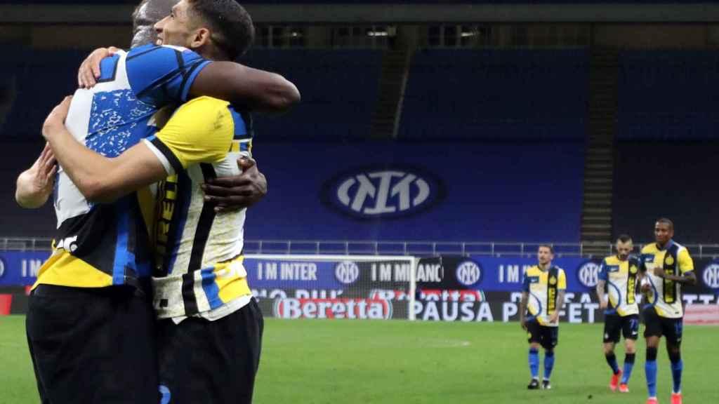Lukaku y Achraf, con el Inter de Milán