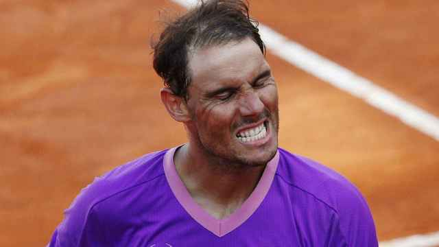 Nadal aprieta los dientes tras ganar a Shapovalov en Roma