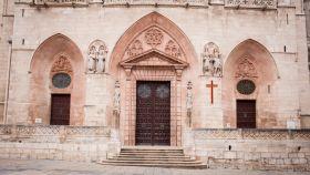 Las puertas actuales de la catedral de Burgos, del siglo XVIII.