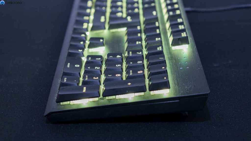 El teclado no es muy alto gracias a su perfil bajo.