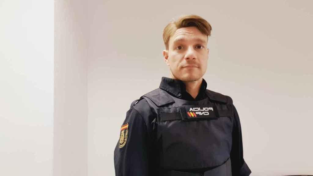 José, con el uniforme de Policía Nacional.