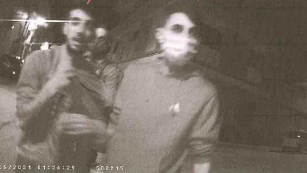 Uno de los fotogramas de la cámara GoPro de un policía local instantes antes de la agresión mortal a Kevin.