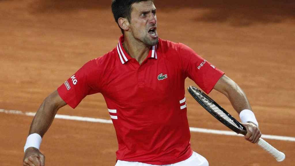 Djokovic celebra su triunfo en Roma