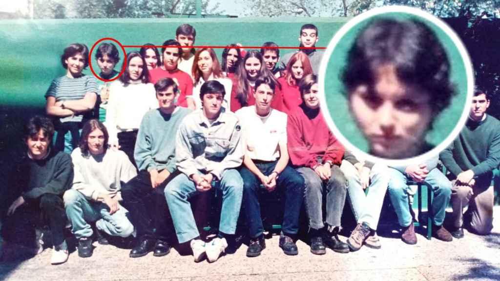 Isabel Díaz-Ayuso, actual presidenta de la Comunidad de Madrid, junto a sus compañeros del Éfeso en mayo de 1995. Tenía 16 años.