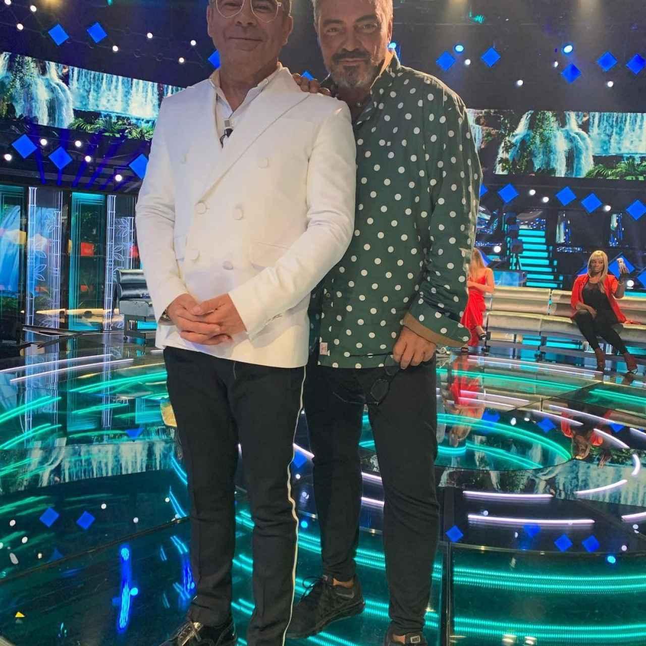 Canales junto a Jorge Javier Vázquez en el plató de 'Supervivientes 2021'.