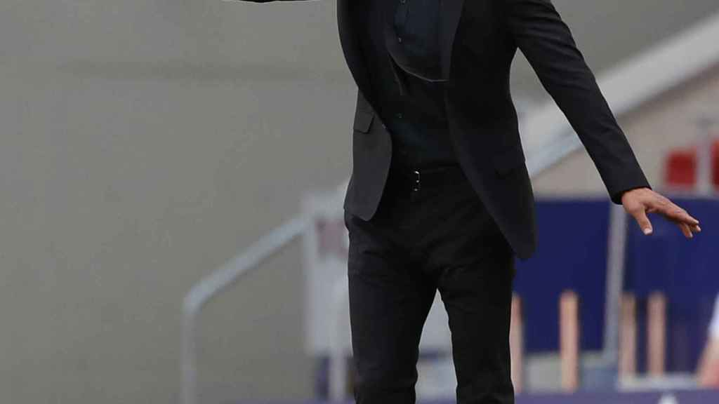 Simeone dirige al Atleti desde la banda del Wanda Metropolitano