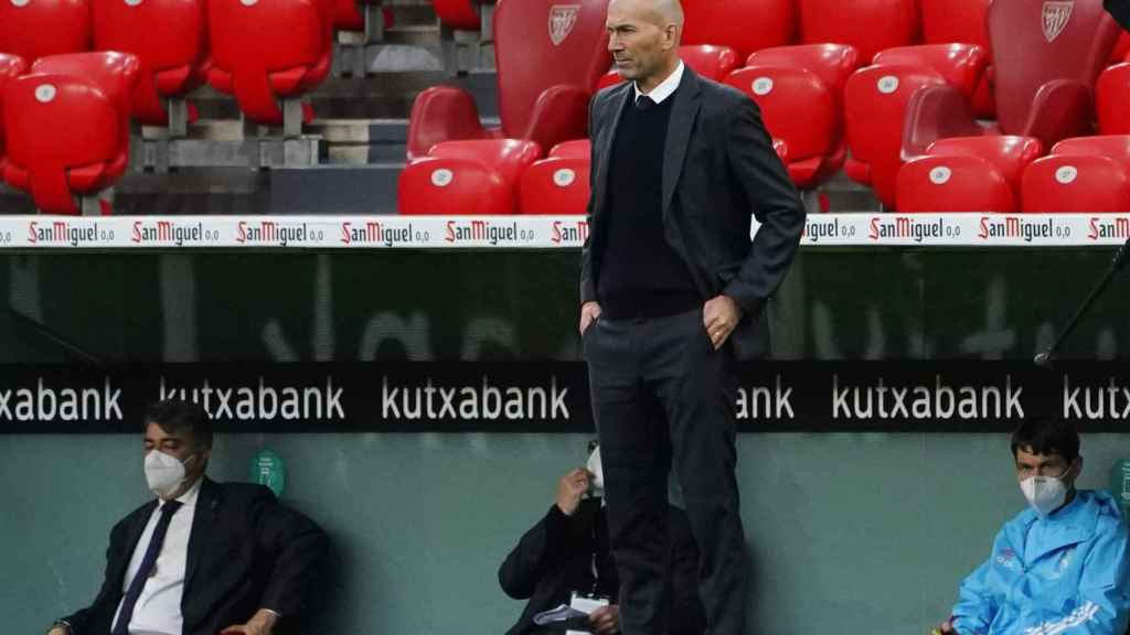 Zidane sigue el Athletic Club - Real Madrid desde el banquillo de San Mamés
