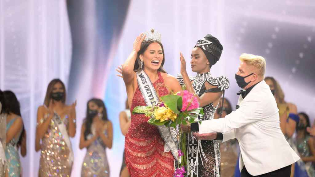 Andrea Meza couldn't help but get excited when she received the crown.