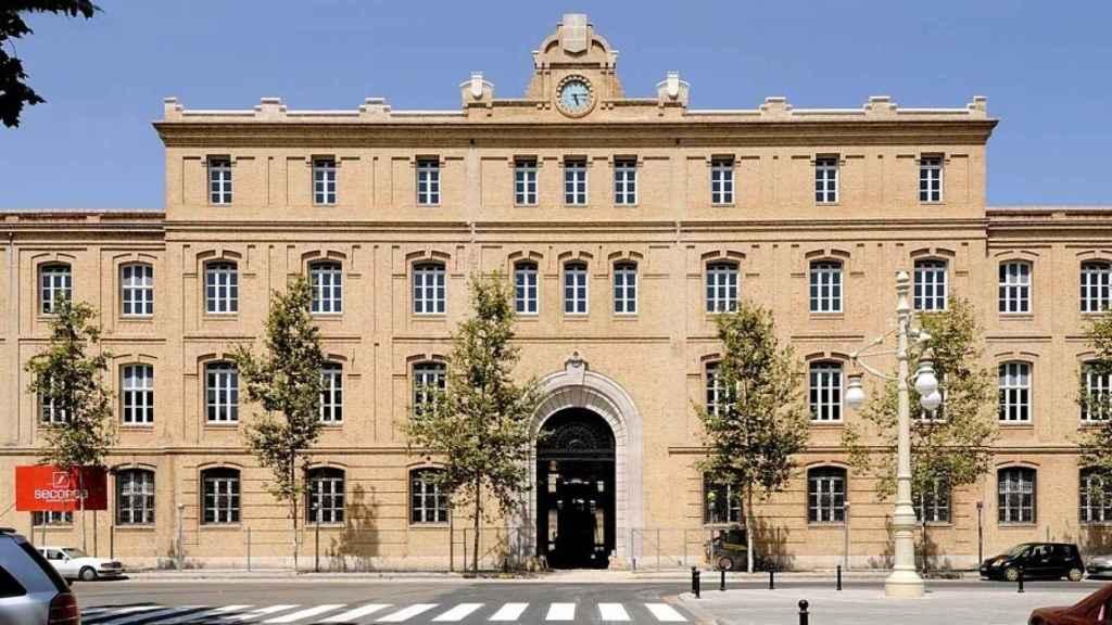 Edificio de Tabacalera, donde se encuentra la sede de Urbanismo registrada este lunes por la UCO. EE