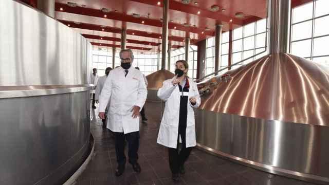 Damm invierte más de 63 millones de euros en su fábrica de El Prat para ampliar su capacidad de producción en un 45%