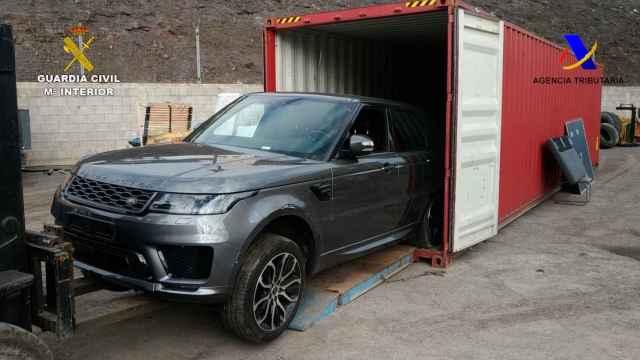 Recuperación de un coche robado por la Guardia Civil.
