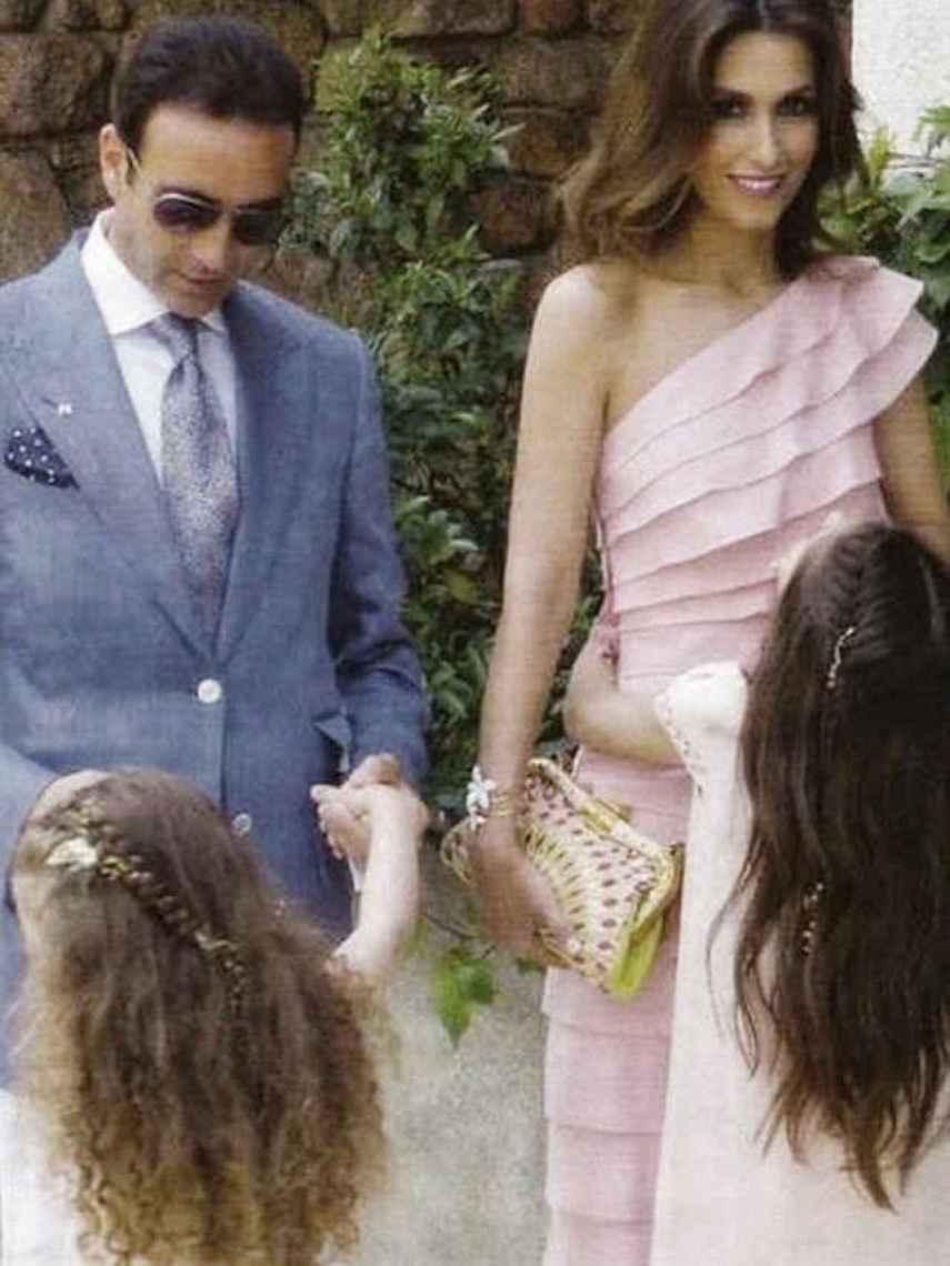 Enrique y Paloma en la Primera Comunión de su hija mayor, Paloma.