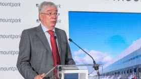 José Manuel Tofiño, alcalde de la localidad toledana de Illescas, este lunes durante la inauguración de un nuevo centro logístico en el municipio
