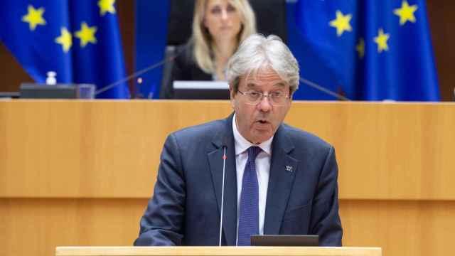 El comisario de Asuntos Económicos, Paolo Gentiloni, durante el debate en la Eurocámara de este martes