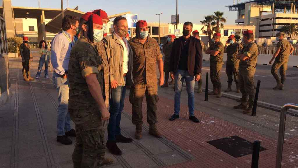 El presidente de Vox, Santiago Abascal, a su llegada a Algeciras.
