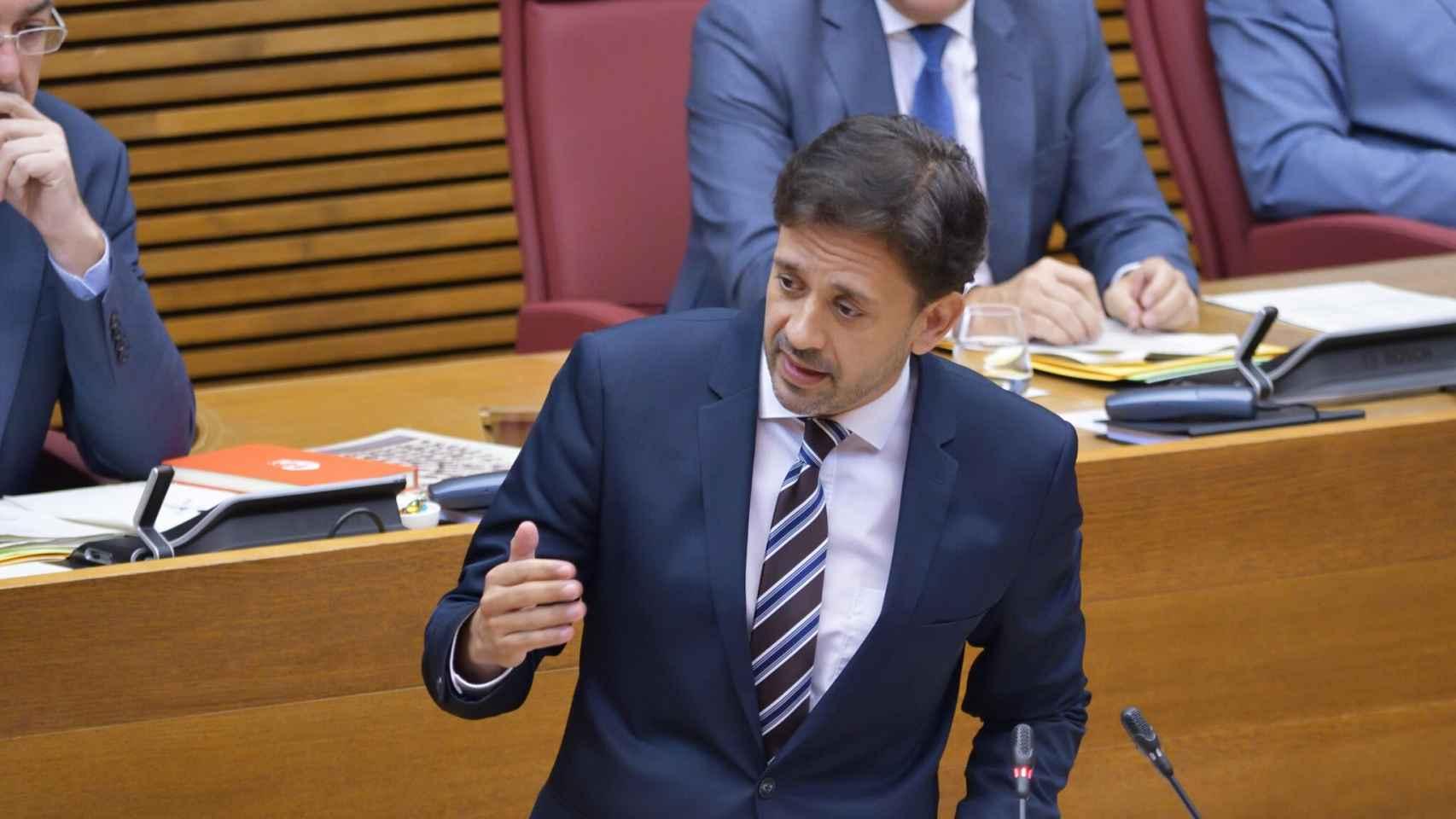 El diputado 'popular' José Juan Zaplana ha advertido al 'Botánico'.